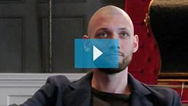 Testimonianza video di Alex e della sua tricopigmentazione permanente