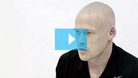 Testimonianza video di Tom e della sua tricopigmentazione